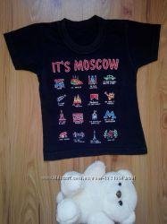 Крутая футболочка с интересным принтом до 2 лет.
