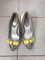 туфли алдо серего цвета с желтым