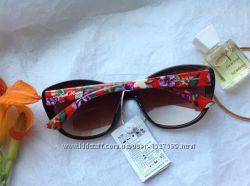 Очки солнцезащитные Италия Цветочный мотив