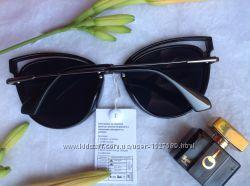 Очки солнцезащитные Италия кошечки