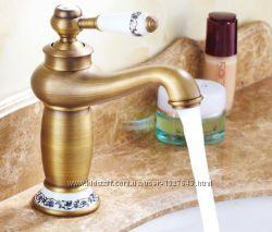 Смеситель для умывальника в ванную однорукий бронза 0015
