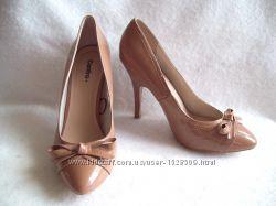 Туфли бежевые лаковые новые 030254f5f5e2e