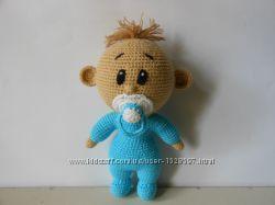 Вязанная игрушка Пупсик