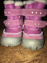 Продам зимние ботиночки Reima