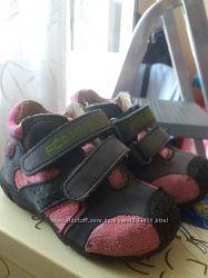 Обувь для девочки размер 22-24 ботинки, кроссовки, туфли