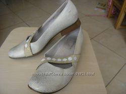 Туфли золотисто-бежевые светлые Антилопа 23. 5 см