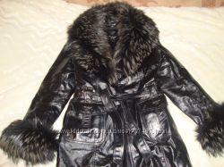 Шикарная кожанная куртка с натуральным мехом. Размер м